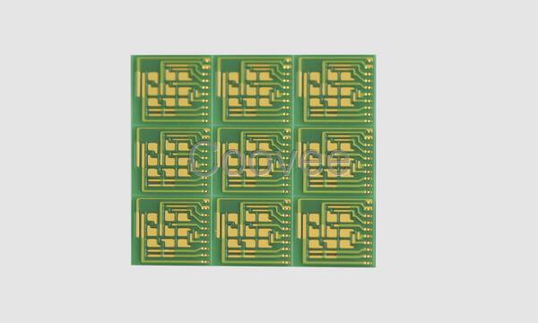 详细说明 陶瓷电路板是根据客户提供CAD图纸通过电化学工艺加工获得成品,陶瓷电路板作为具有高导热和高介电常数的功能基材,适用于卫星定位,高精密医疗设备,电子通讯产品芯片等重要领域。还可以根据客户的不同需求,选择不同种类和厚度的功能陶瓷材料定制加工成特殊功能的陶瓷电路板。 流延氮化铝---超精细电路板(精度5,5m),高散热氮化铝陶瓷基板,大功率激光器应用。 陶瓷基板,陶瓷线路板,氮化铝基板,氧化铝基板加工,线距线宽精度可以达到5微米,中山大学电子封装电化学实验室,加工工艺源于航空科技。 产品样片实拍: 我