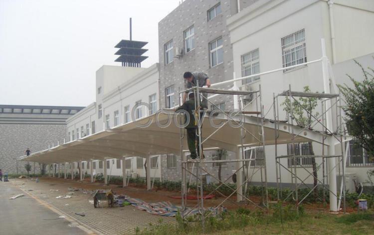 沈阳车棚膜布景观张拉膜布白色钢架顶棚膜布批发pvc膜布