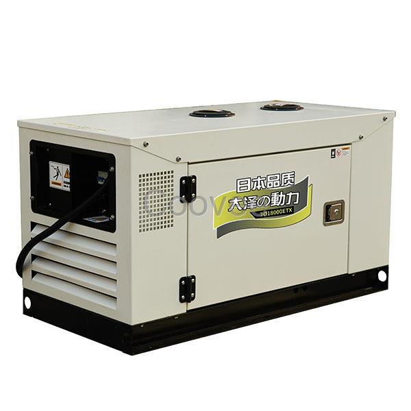 15千瓦静音柴油发电机房车电源 柴油发电机特点:体积相对较小,灵活便捷,方便移动。 操作方便,简单易控制。 能源原料(燃油)来源广泛,容易得到。 一次性投资较少。 启动快,可以快速供电和快速停止发电。 供电平稳,供电质量可以通过技术改进得以提。 可以对负载进行点对点的直接供电。 受各种自然气候和地理环境影响较小,能全天候发电。 上海大泽动力生产和销售小型柴油发电机组,家用柴油发电机组,大功率柴油发电机组。大泽发电机组品质优良、低燃油消耗、噪声低、输出功率大,性能可靠、体积小、重量轻。其可靠的