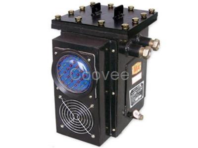 隔爆腔中装有电源变压器及电路板;本安腔装有指示发光管和扬声器
