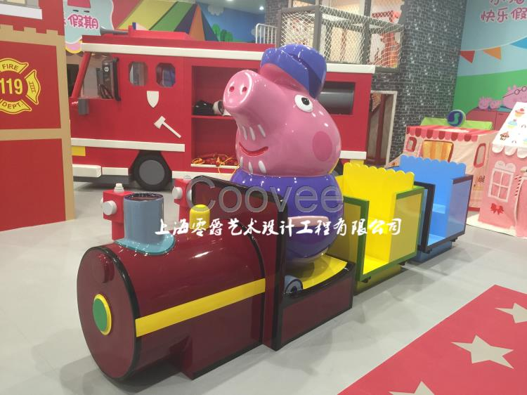 大理网红小猪佩奇雕塑-小猪的快乐暑假雕塑厂