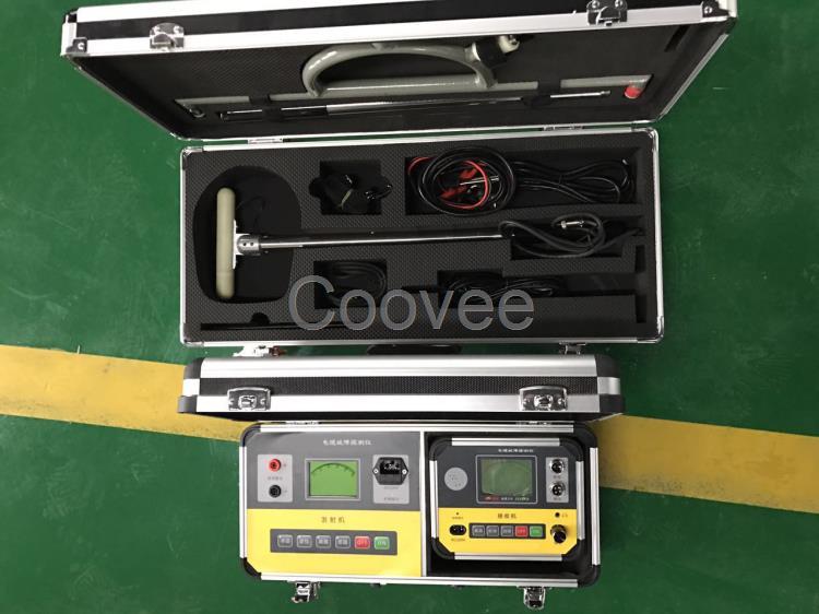 信号及状态 ¨ 内置锂电池供电,并配有充电器     三,技术指标 ¨ 寻