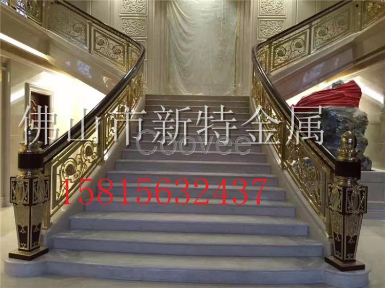 墅楼梯整体设计起来更具有立体感.