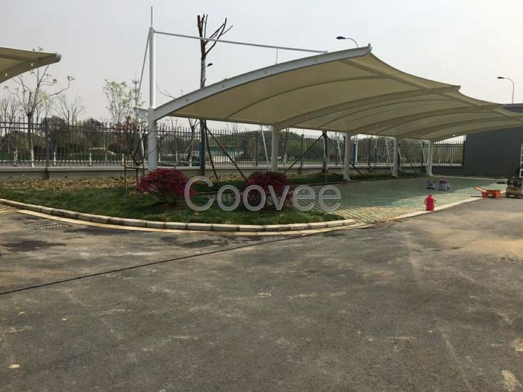 滁州车棚材料滁州阳光板张拉膜充电车棚安装材料便宜滁州车棚材料